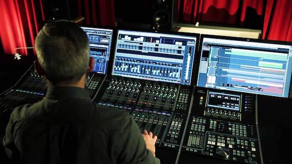 לימודי תעשיית המוסיקה