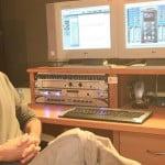 המרצה חגי דוידוף בהפקת האלבום של האומן מעוז פלד