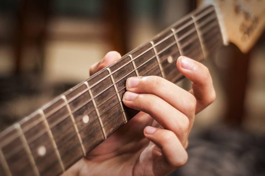 כתיבת שירים והלחנה – טיפים לכתיבת שירים ויצירתיות