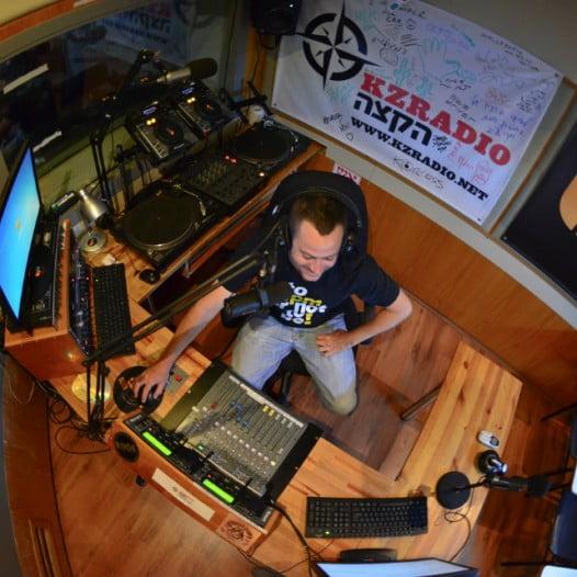 קורס רדיו ופודקאסטים