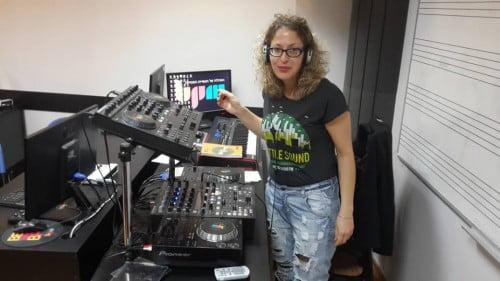 ענבל ניסן- בוגרת קורס DJ: