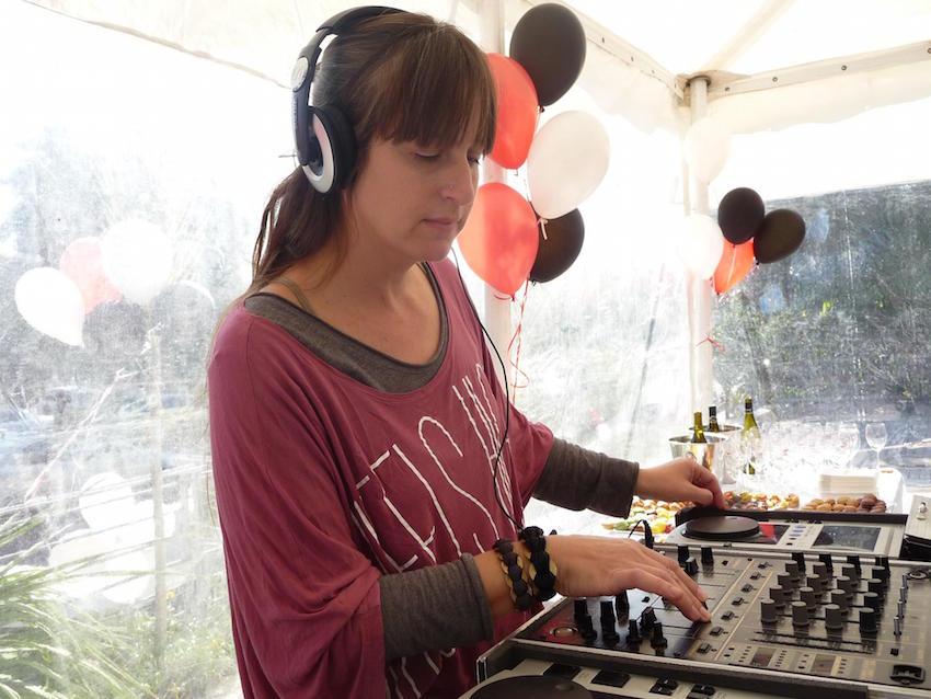 אמא DJ – קרן רון לא מפסיקה לנגן