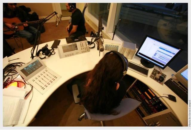 ימית הגר באולפני רדיו מהות החיים