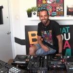 צפו בשיעור DJ למתחילים עם DJ PIPE