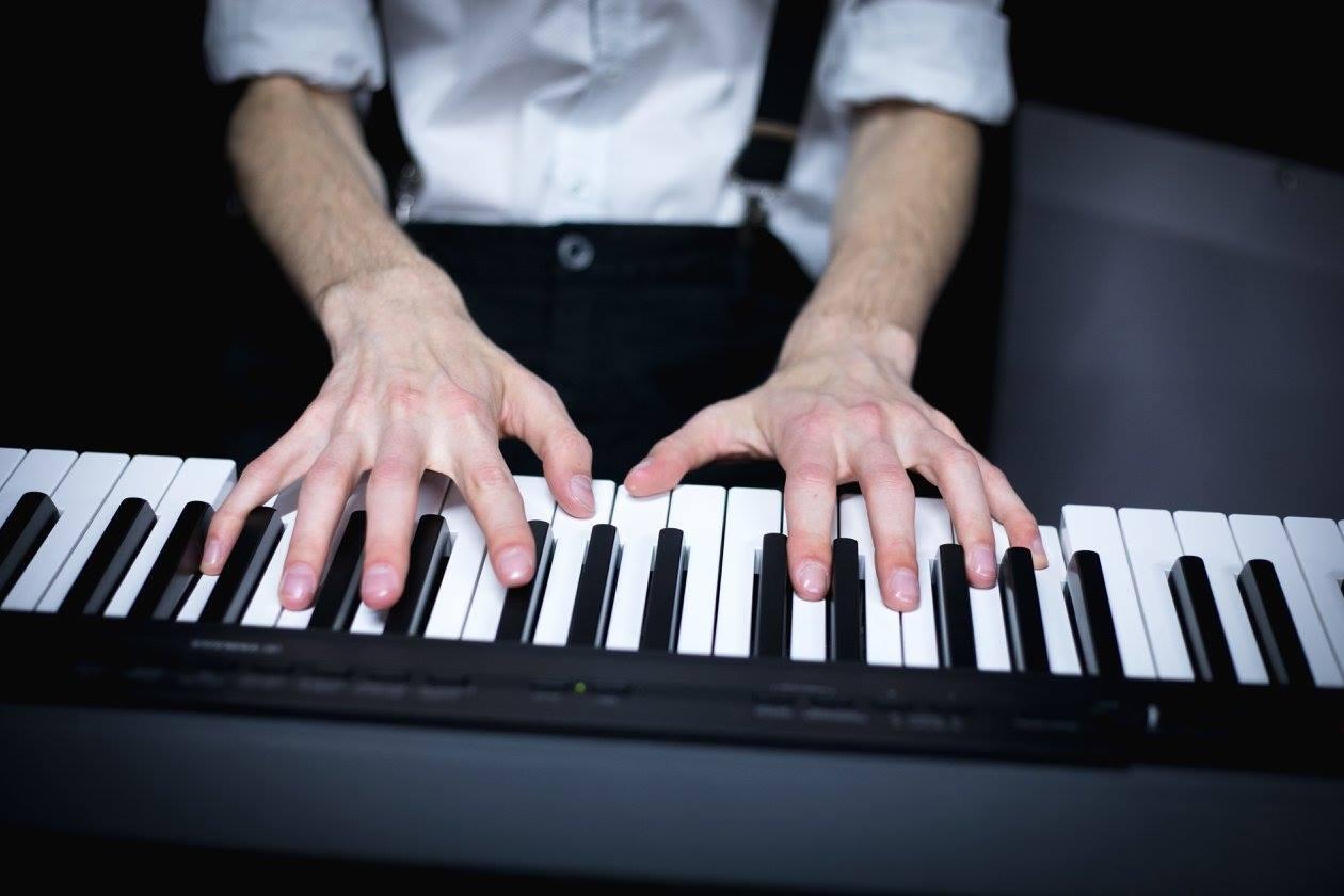 שי טיבי, בוגר קורס תיאוריה מוזיקלית, מפתח קריירה בתעשייה