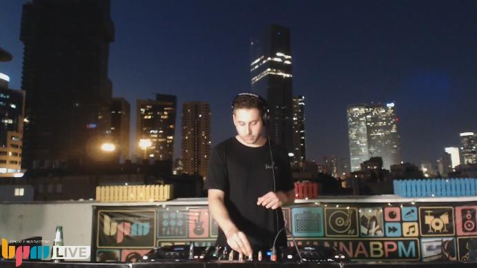 בוגרי המכללה Osi Zadok ו-Nitzan Savion ב-DJ Set