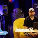 צפו בסדנת אמן עם נועם עקרבי על הפקה מוזיקלית וניהול קריירה