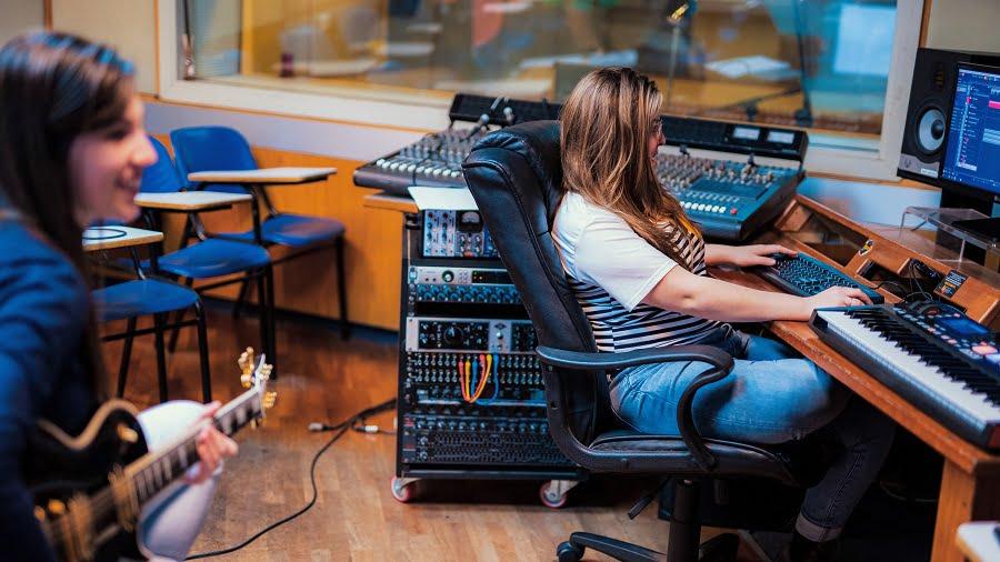 הפקה מוזיקלית כמקור פרנסה - מכללת BPM