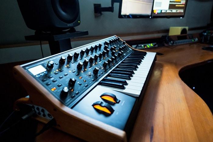הפקה מוזיקלית, סינתזה - מכללת BPM
